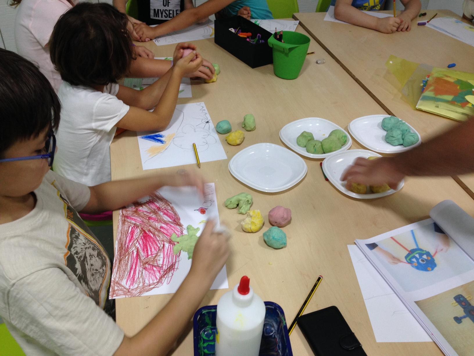 Juegos creativos en el Urban Camp de Inglés Divertido Granada